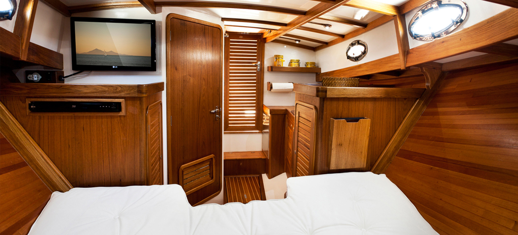 Interior do trawler Lobster L35